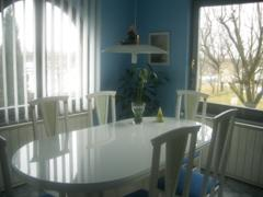 A helyiségek és kiegészítők megfelelő színének megválasztásával fokozhatod az otthonosság érzését!