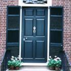 Az ajtó színe, mintázata jó, ha harmóniában van azzal az iránnyal, amely felé néz