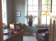 Jelöljük ki egyértelműen a dolgozószoba határait, hogy ne telepedjen rá a nappalira.