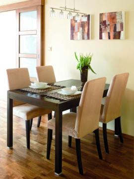 Az asztal megv�laszt�s�n�l fontos lehet, hogy olyan form�j�t v�lasszunk amelyik legjobban illik az �tkez� ter�let�re.