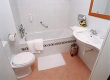 A WC tetőt nem azért kell lecsukni, hogy a qi el ne szökjön el házból, hanem higiéniai okokból.