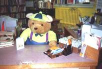 A gyerek íróasztala védett pozícióban legyen és az iránya legyen kedvező számára.