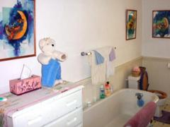 Más képet helyezel a fürdőszobába